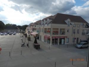 Le commerce local à Voisins et Quincy dans Commerce place-de-la-mairie-1-300x225